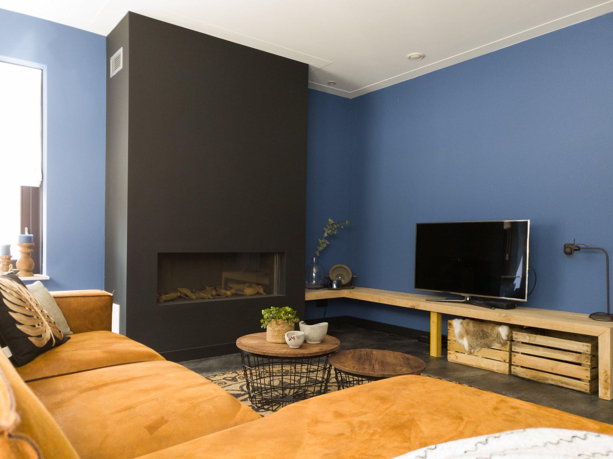 Herinrichting kleuradvies interieurontwerp woonkamer eetkamer cognac zwart blauw (1)