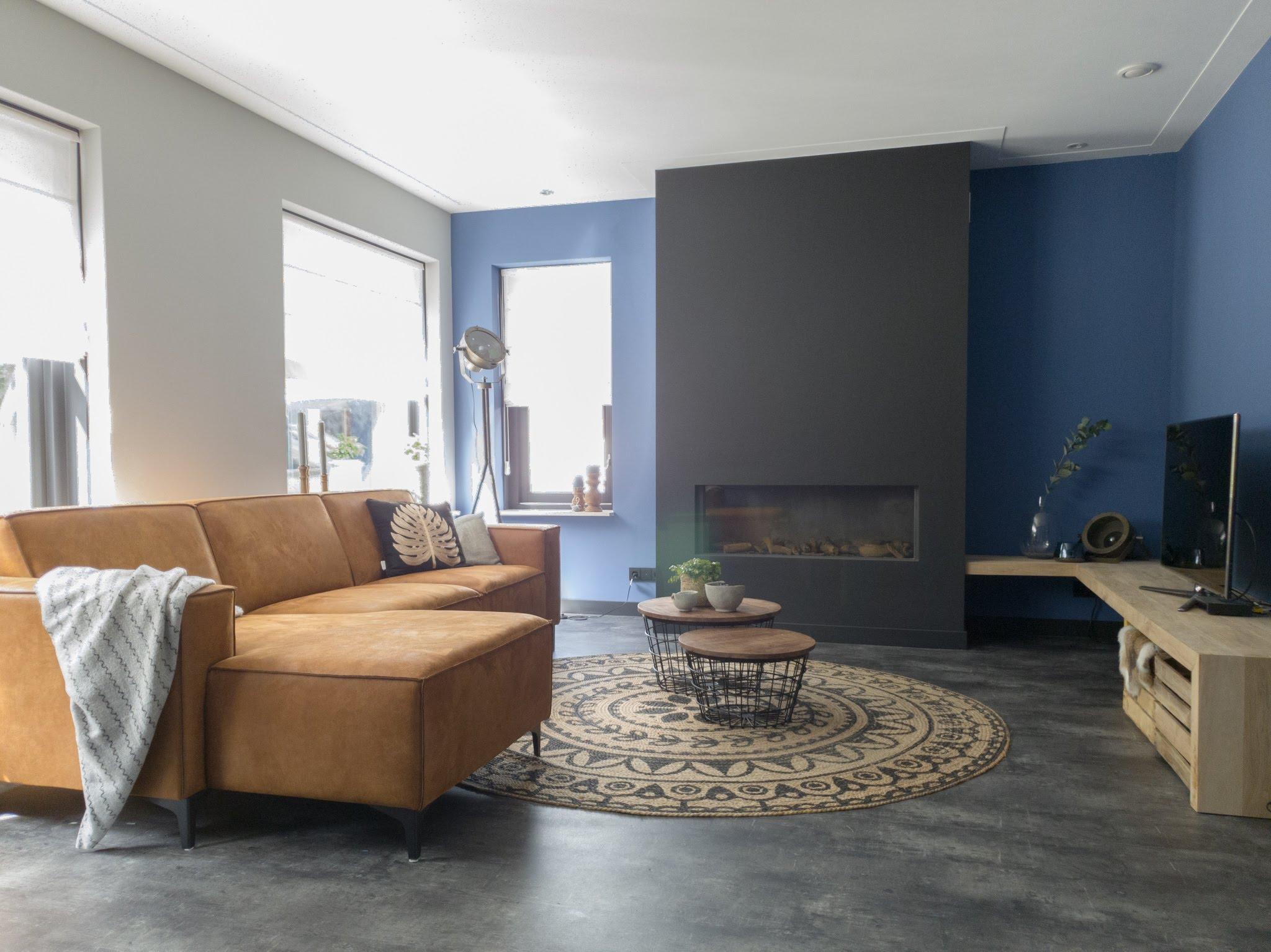 Herinrichting kleuradvies interieurontwerp woonkamer eetkamer cognac zwart blauw (2)