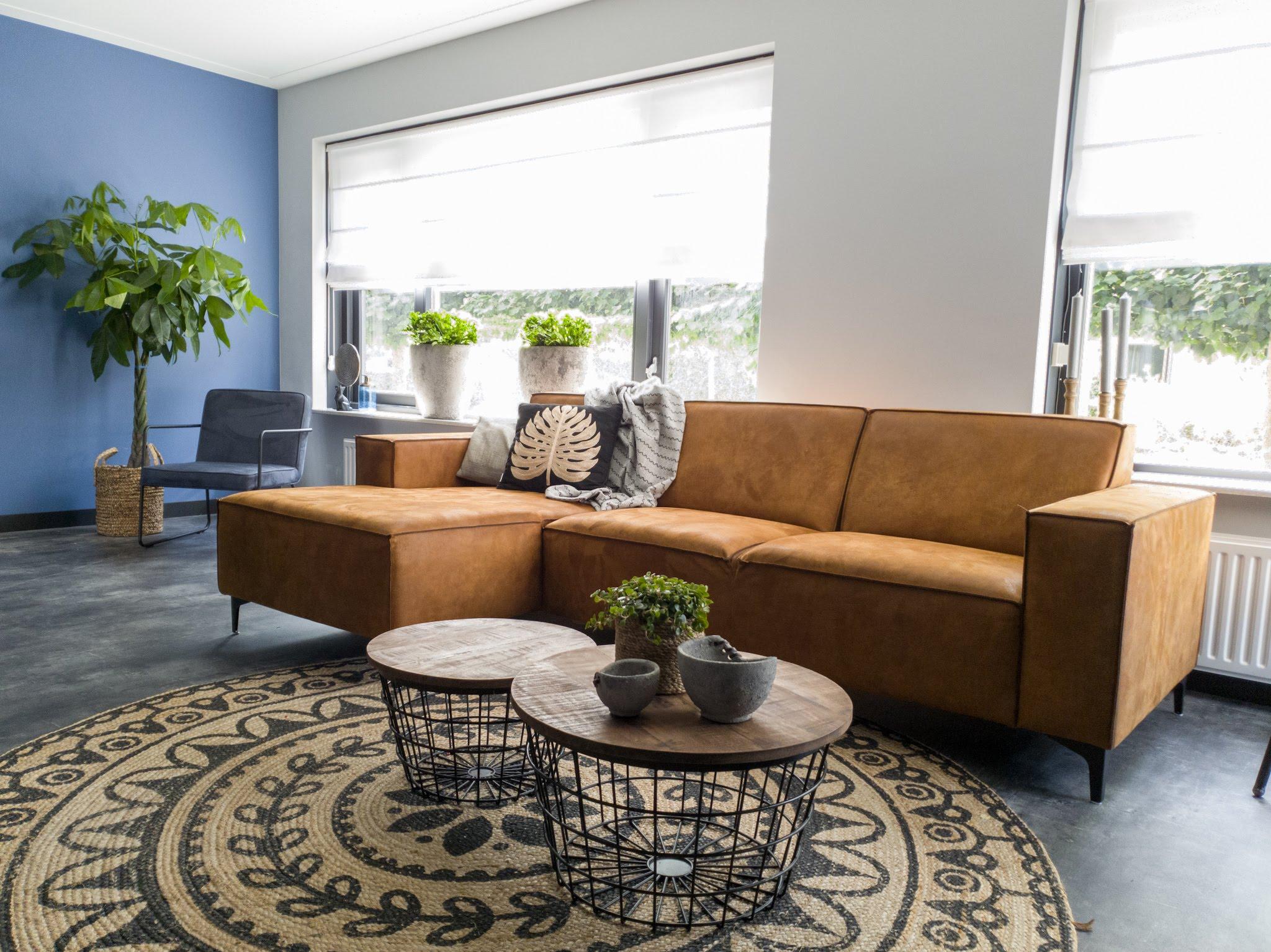 Herinrichting kleuradvies interieurontwerp woonkamer eetkamer cognac zwart blauw (5)