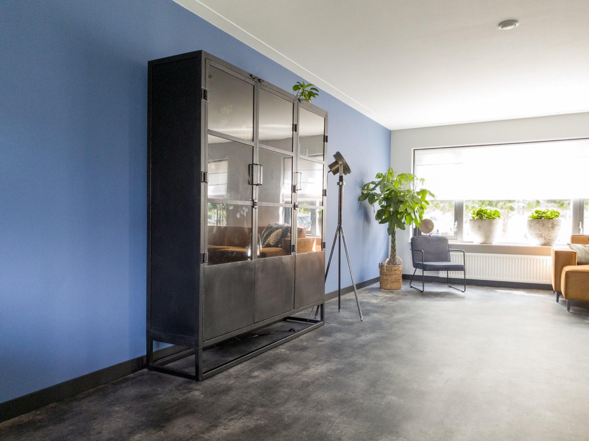 Herinrichting kleuradvies interieurontwerp woonkamer eetkamer cognac zwart blauw (6)